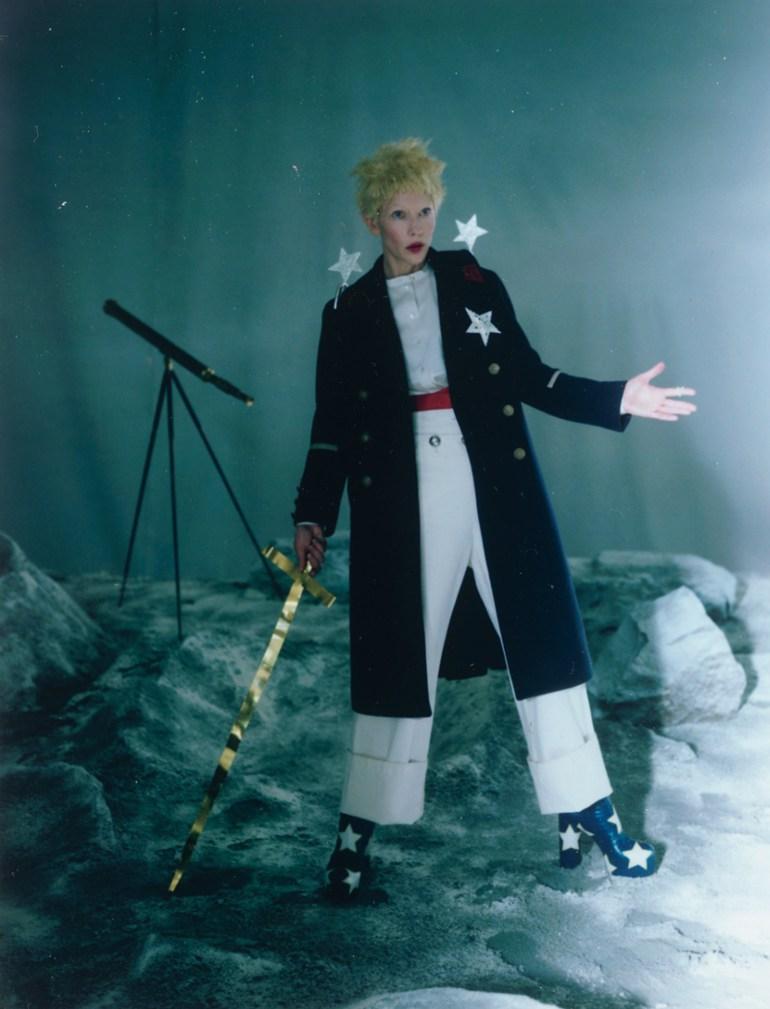 cate-blanchett-by-tim-walker-foe-w-magazine-december-2015-8